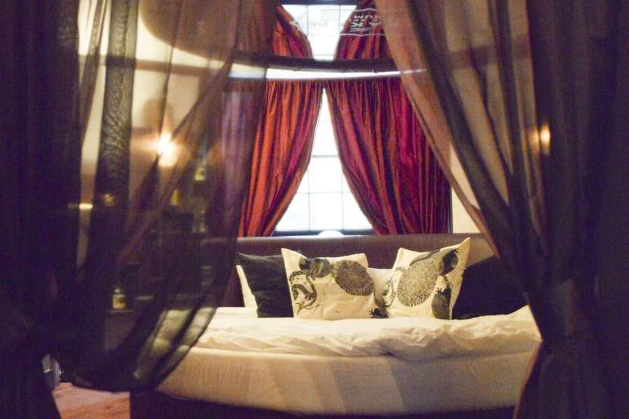 Kraken's lair - Staycation packages at Hotel Pelirocco